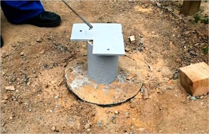 Приваривается платформа для крепления бруса