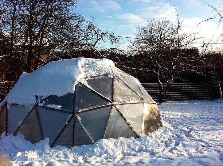 Теплица сложной многоугольной формы с куполом