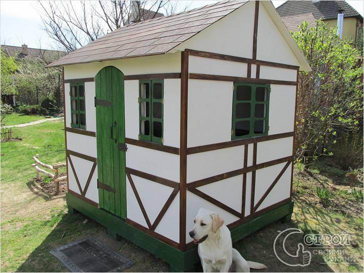 Фанерный домик в стиле фахверк