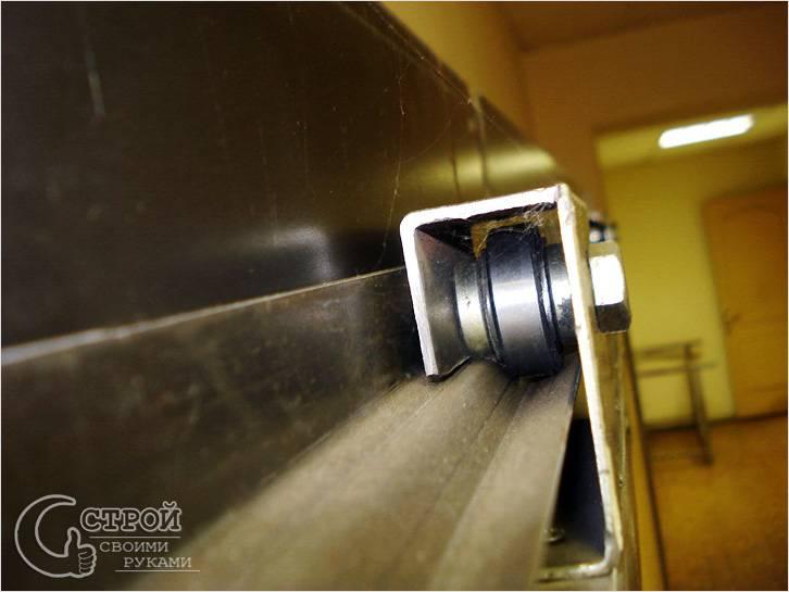 Механизм консольных откатных ворот