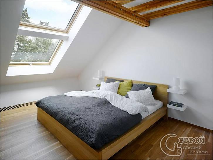 Спальня на чердаке в минималистичном стиле