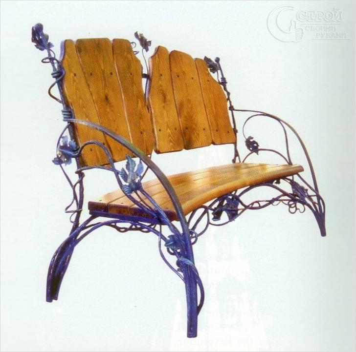 Деревянная скамья с элементами ковки