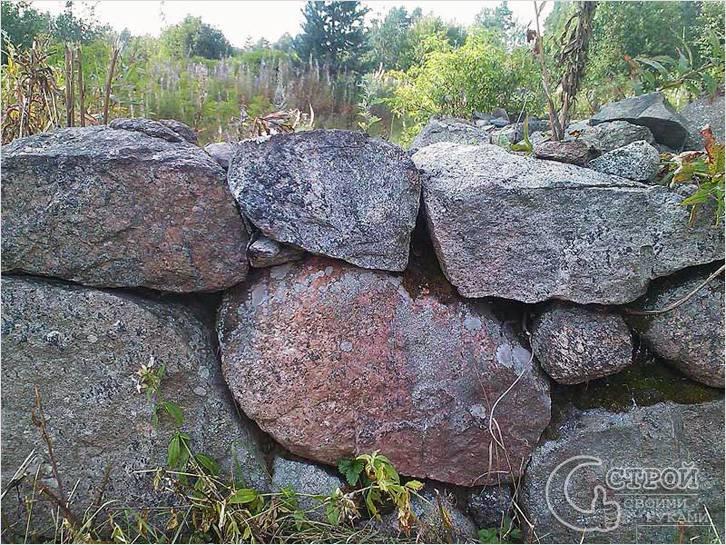 Преимущества и недостатки каменных фундаментов