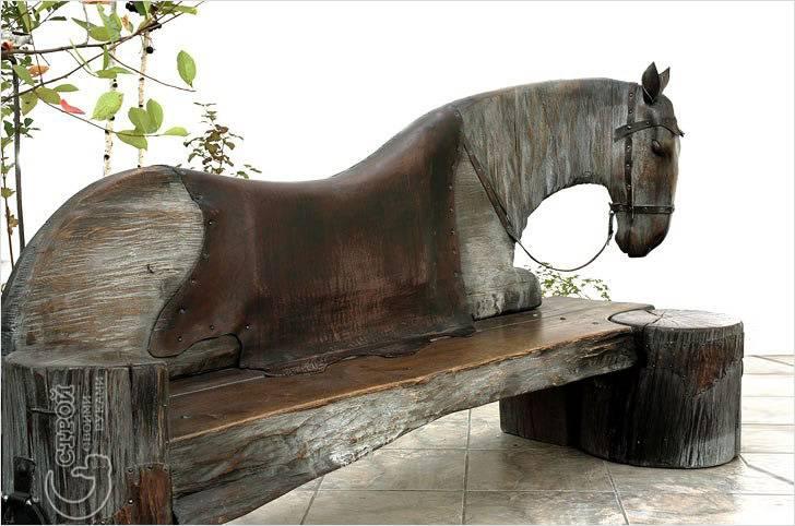 Скамейка с художественной резьбой