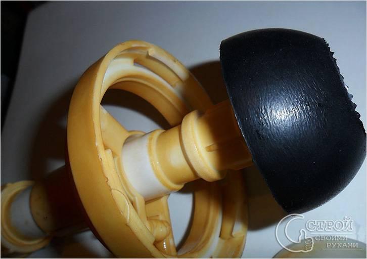Изношена резиновая прокладка клапана