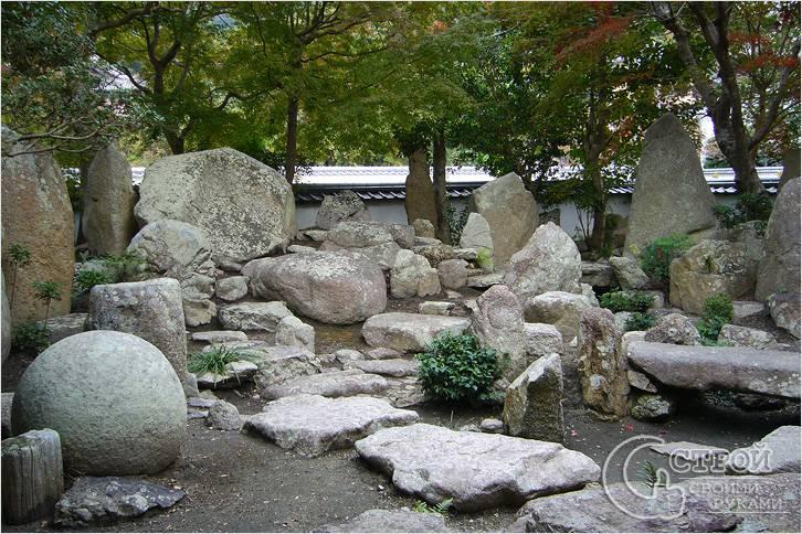 Камни разнообразных форм