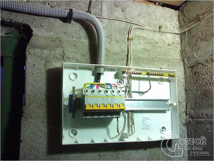 Разводка электричества в гараже