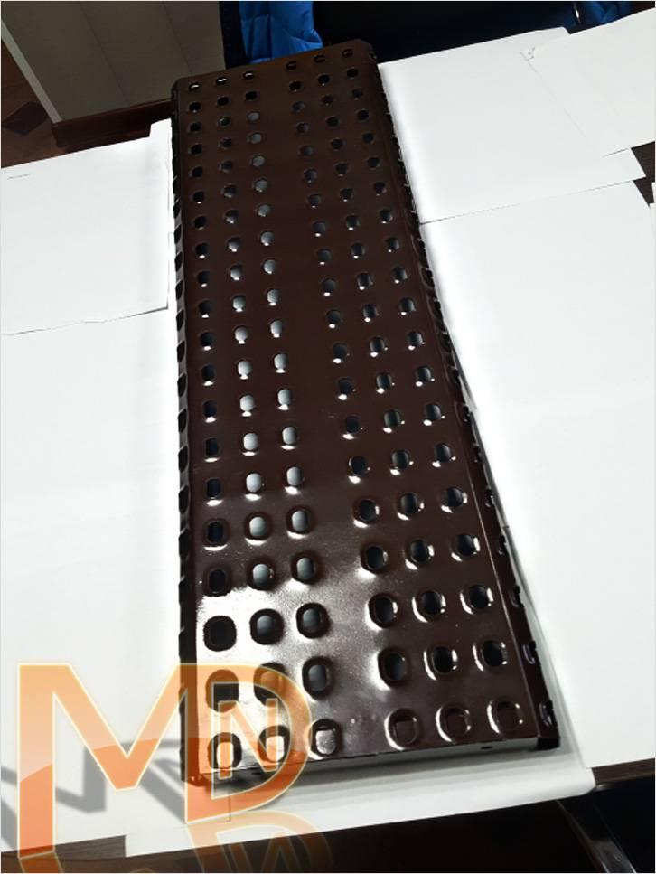 Ступень для лестницы – Металлическая перфорированная ступень для лестниц