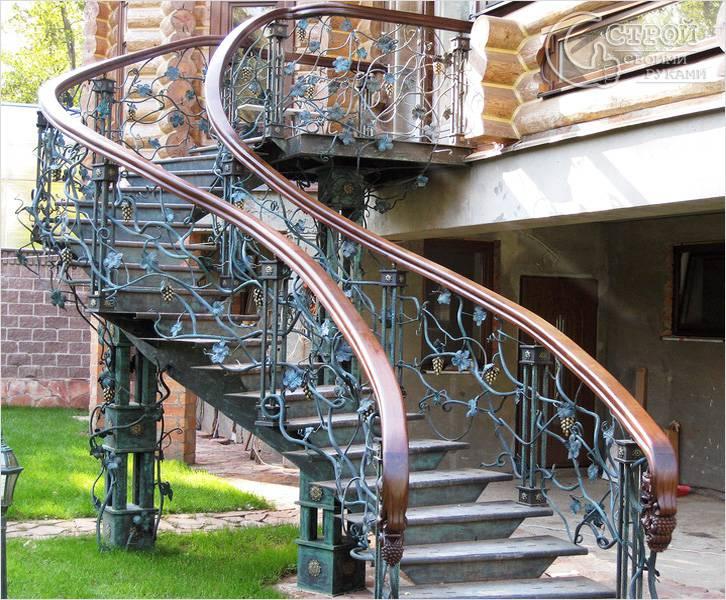 Декорирование металлических лестниц