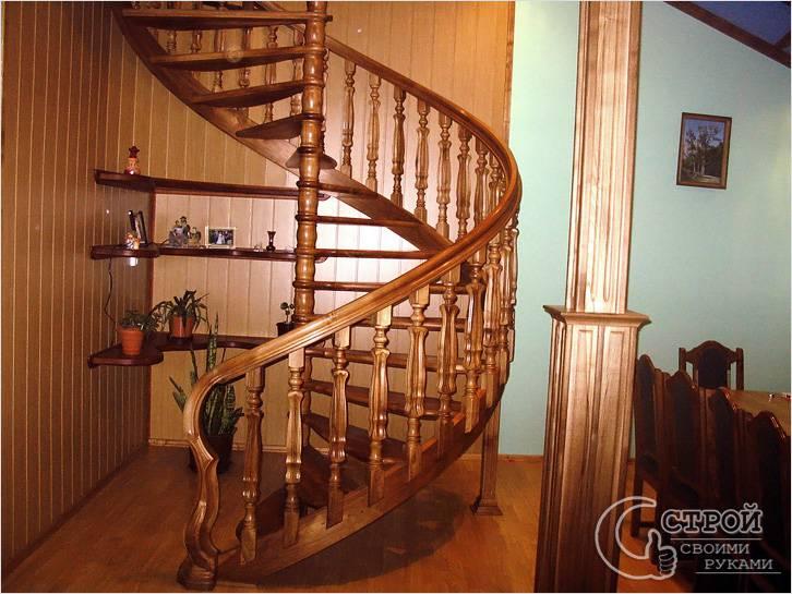 Деревянная лестница — винт