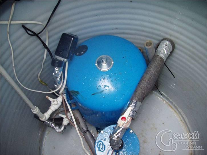 Монтаж гидроаккумулятора в скважине