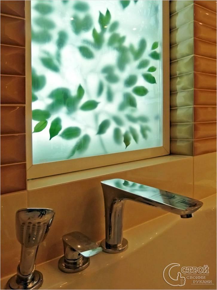 Окно в ванной своими руками 52