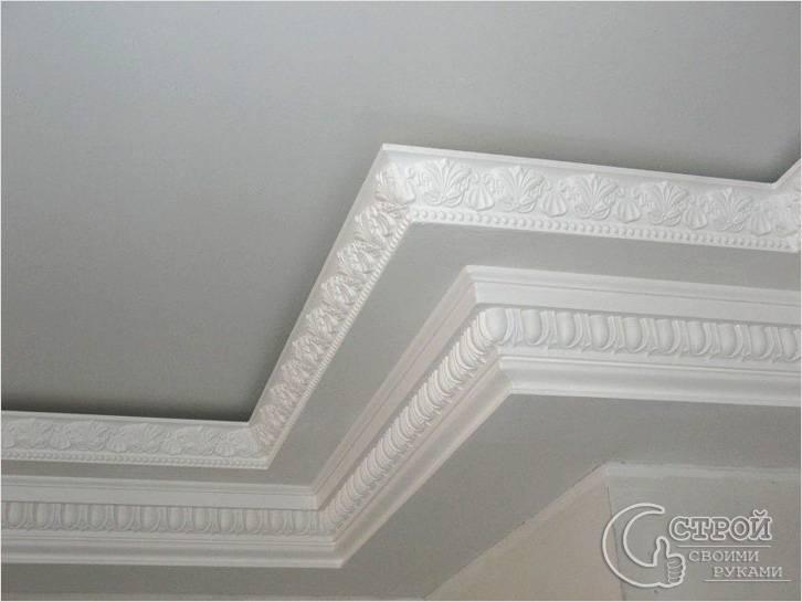 Рельефный потолочный плинтус