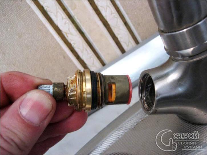 Ремонт вентильного кухонного смесителя