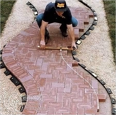 Как кладется тротуарная плитка - Перемычки