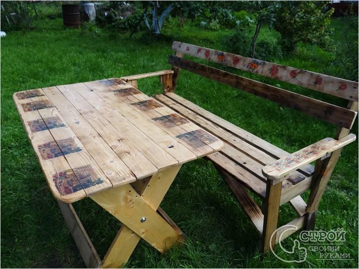 Стол и скамья для сада