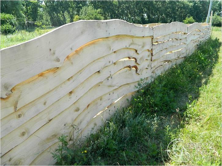 Забор из облагороженной необрезной доски