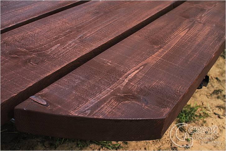 Защитное покрытие деревянного стола