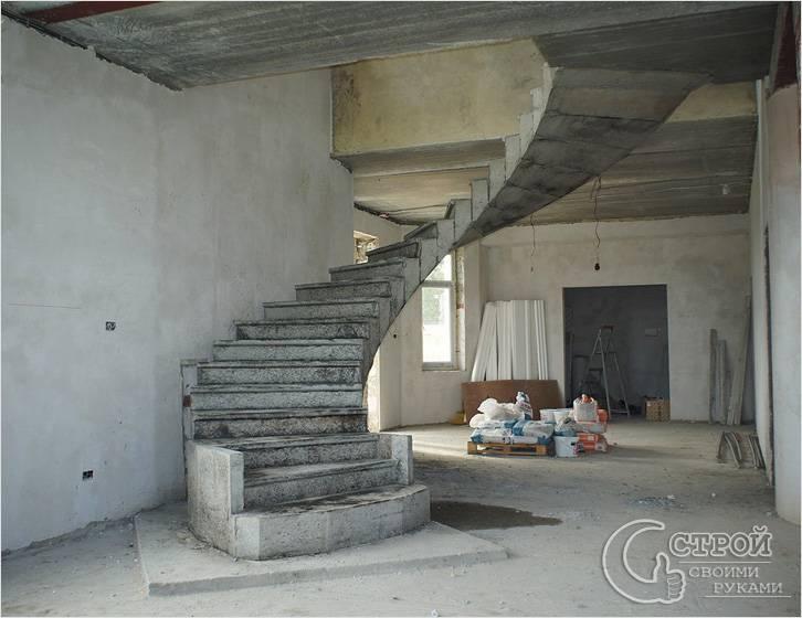 Железобетонная винтовая лестница